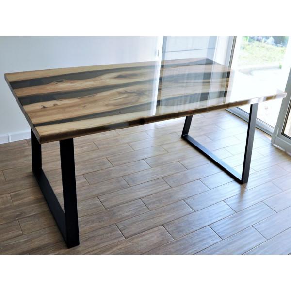 Stół z żywicy epoksydowej
